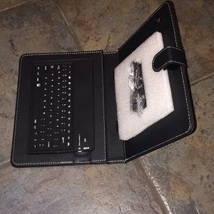 Blue tooth keyboard for 8in tablet